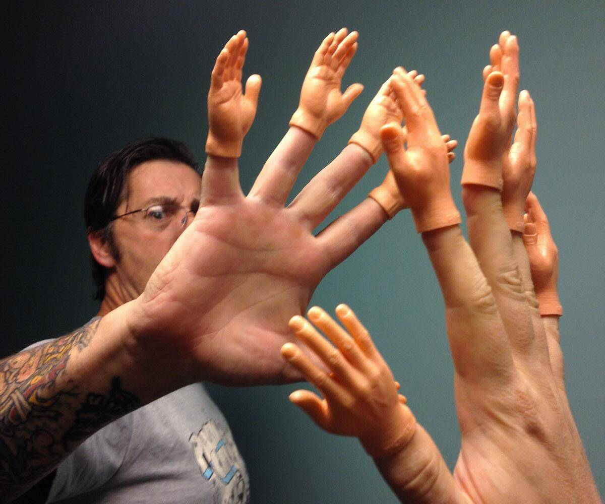Finger Hands - http://coolthings.us