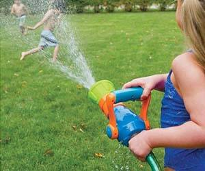 Firefighter Water Blaster Toy - http://coolthings.us