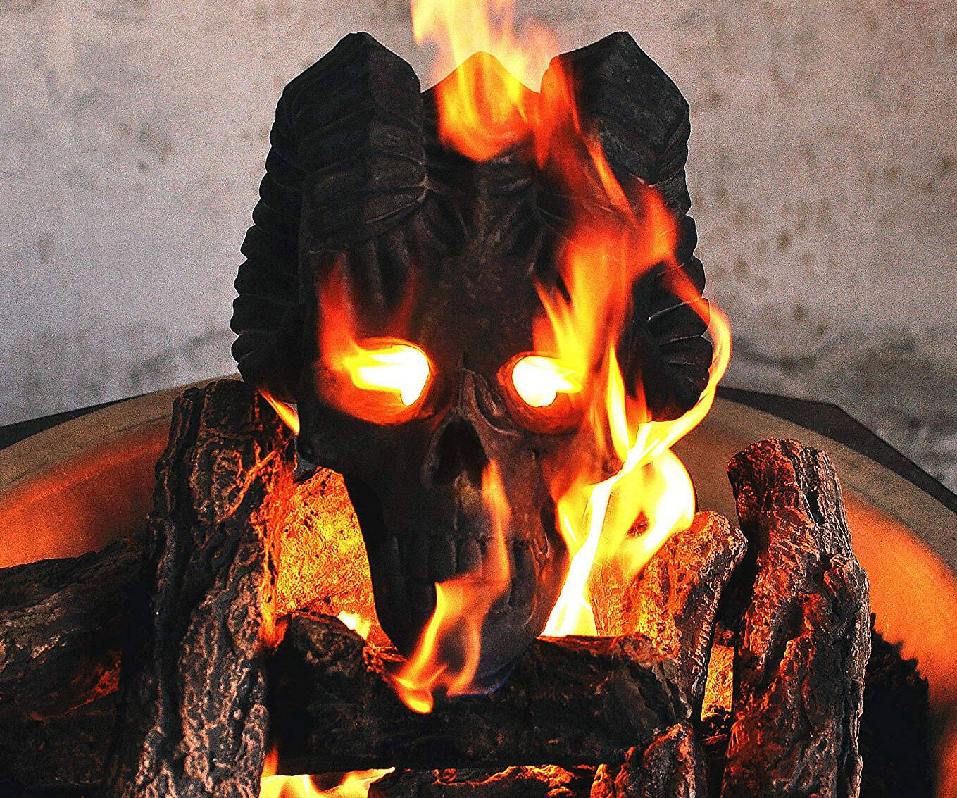 Demon Gas Fireplace & Fire Pit Skull - http://coolthings.us