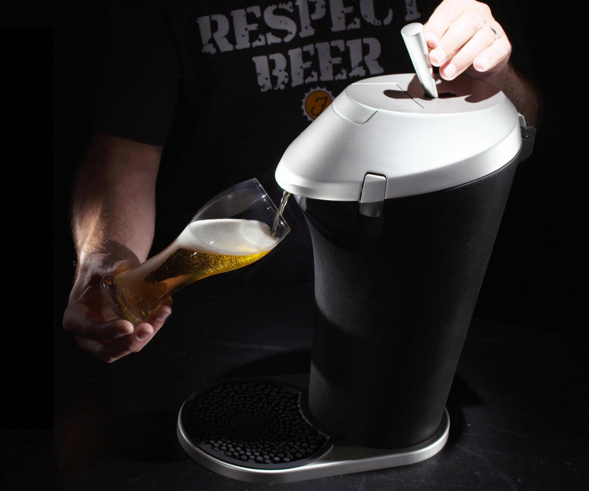 Fizzics Beer System - Draft Taste from a Can - http://coolthings.us