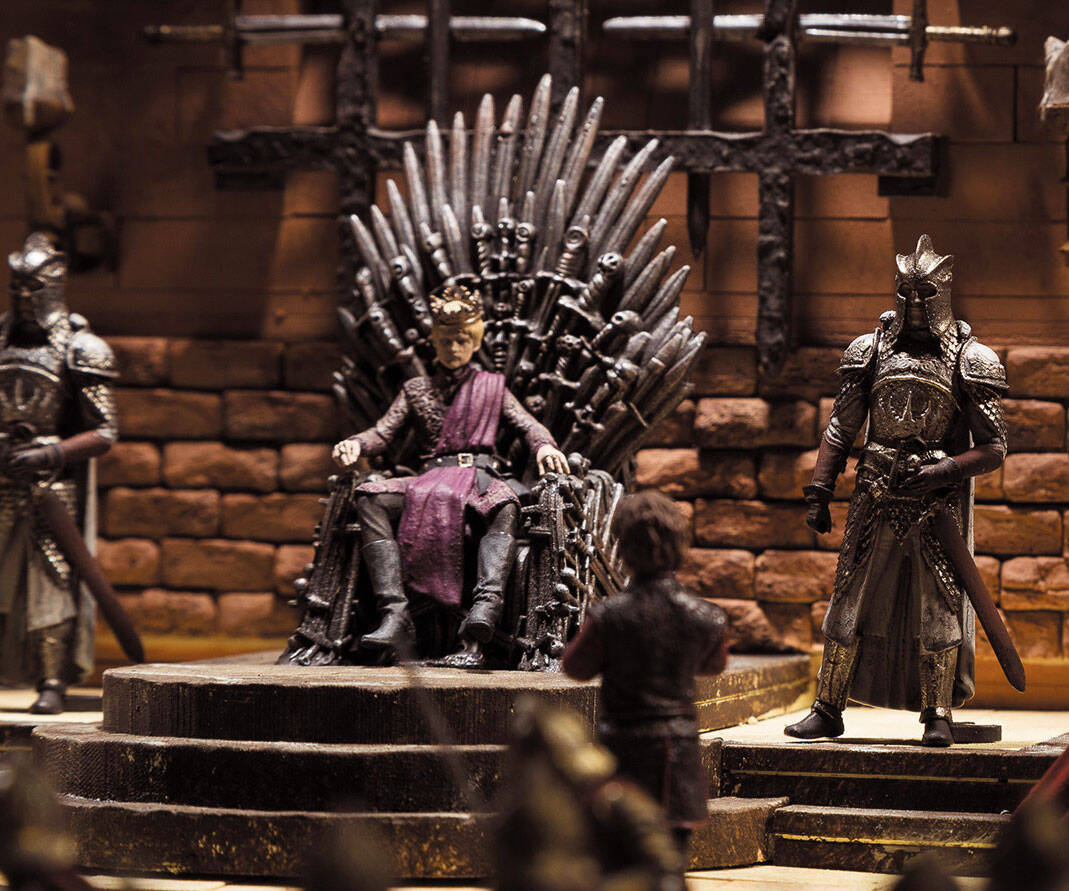 Iron Throne Room Playset - http://coolthings.us