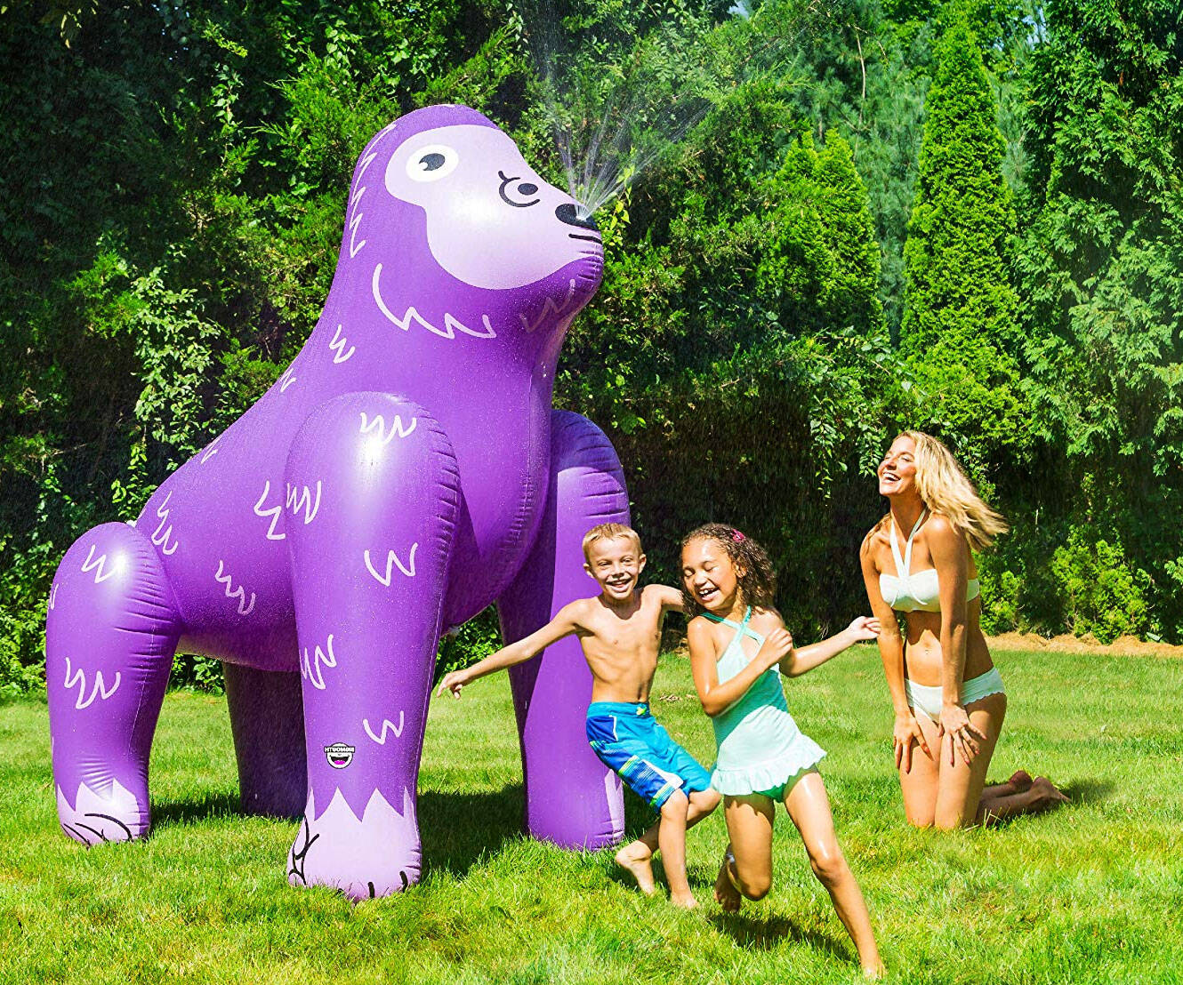 Giant Inflatable Animal Sprinklers - http://coolthings.us