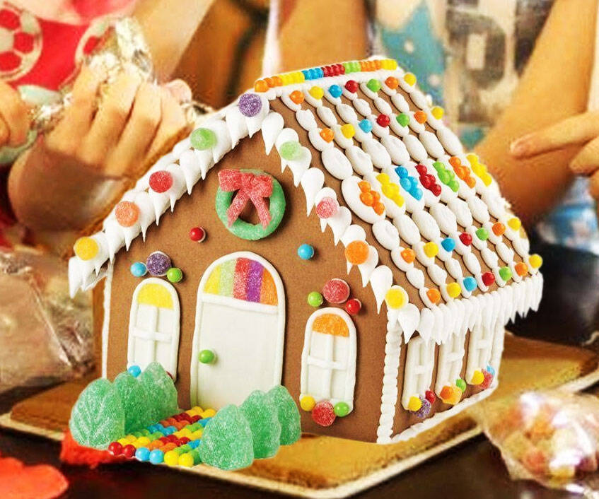 DIY Gingerbread House Kit - http://coolthings.us