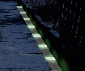 Glow In The Dark Path Markers - http://coolthings.us