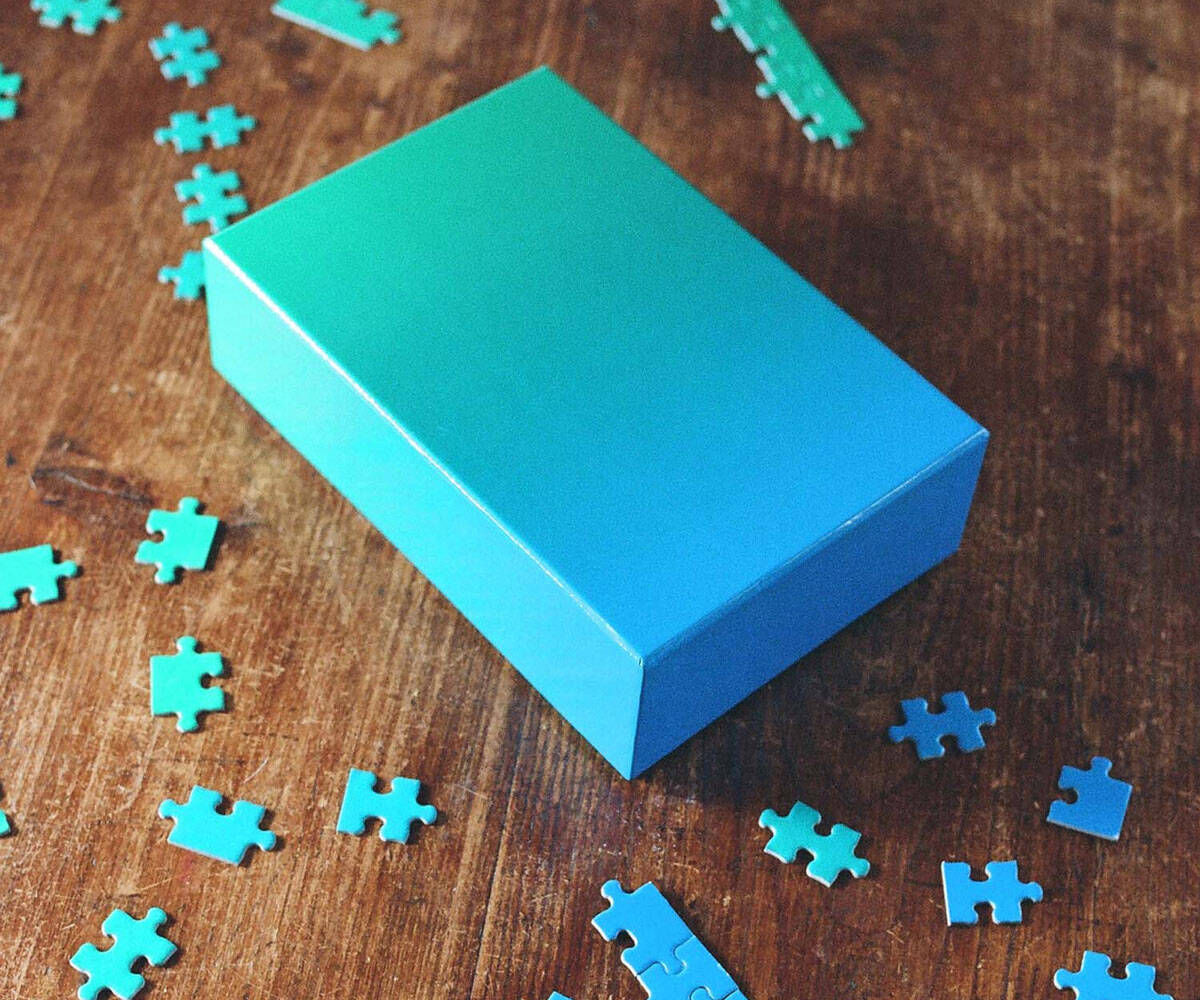 Gradient Puzzle - http://coolthings.us