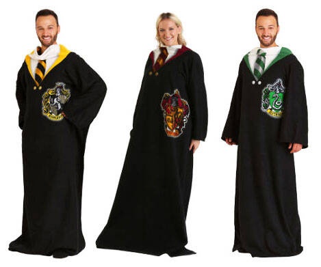 Hogwarts Houses Wearable Blankets - http://coolthings.us