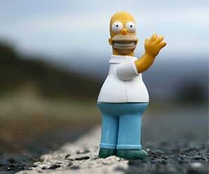 Homer Simpson Action Figure - http://coolthings.us