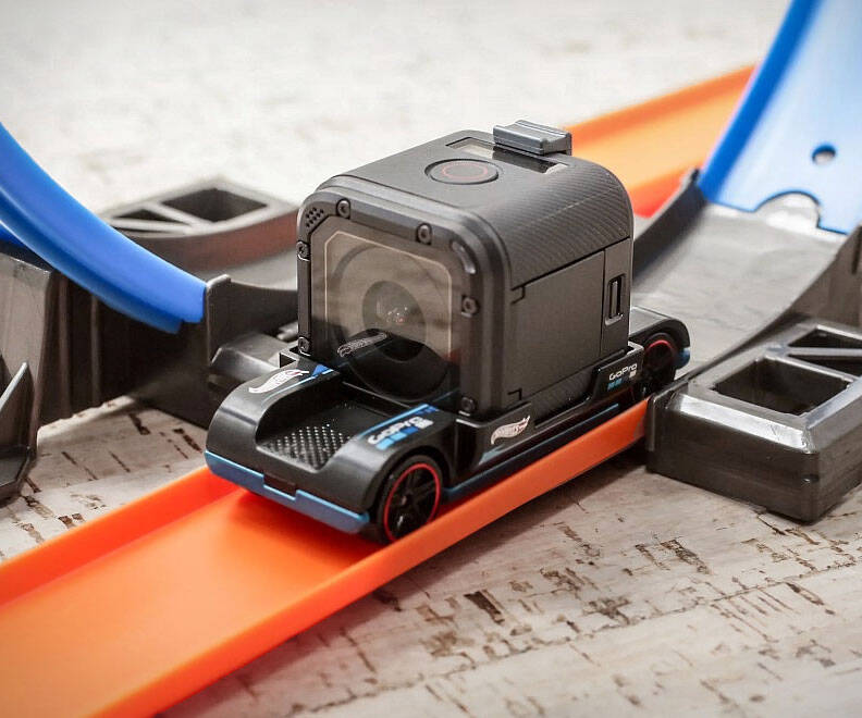Hot Wheels GoPro Mount Car - http://coolthings.us