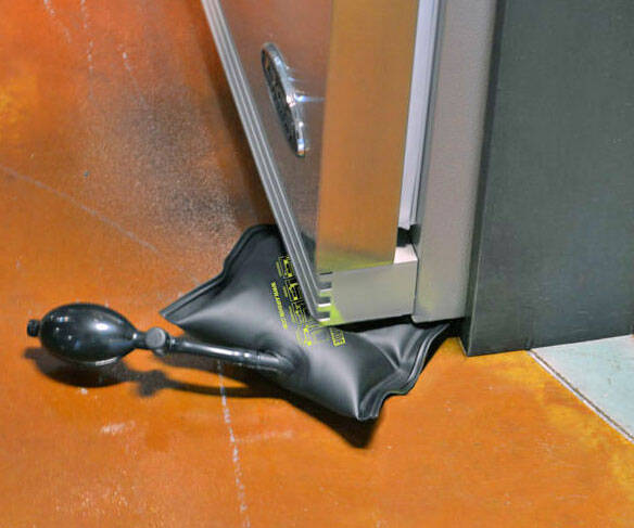 Inflatable Leveling Tool - http://coolthings.us