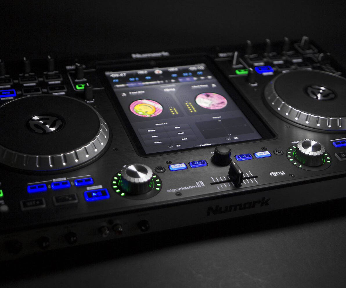 iPad Professional DJ Controller - http://coolthings.us