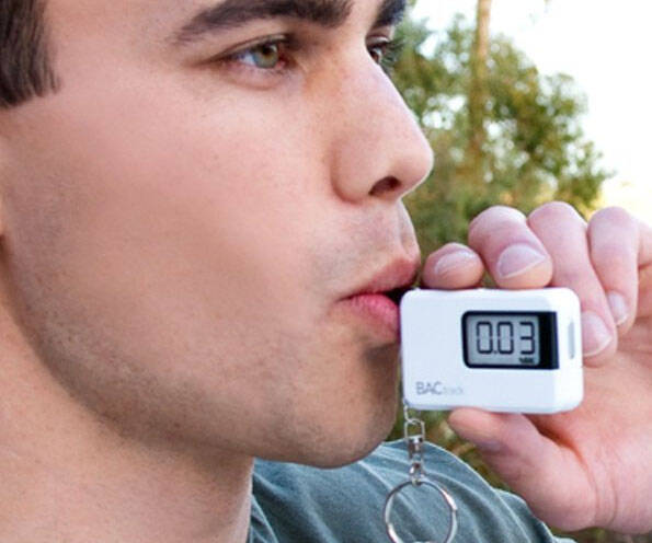 Keychain Breathalyzer - http://coolthings.us