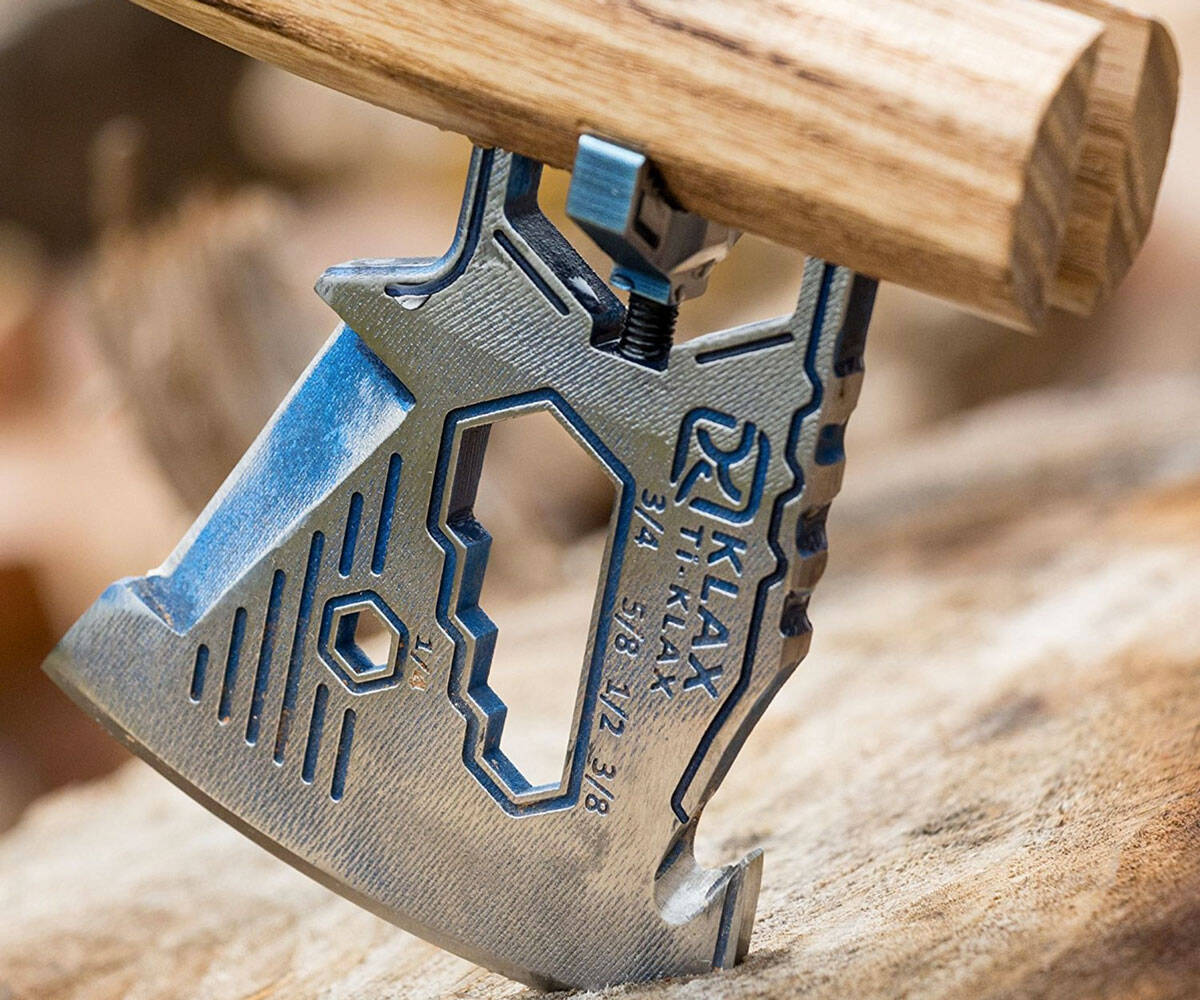 KLAX - Lightweight Multi-Tool Axe - http://coolthings.us