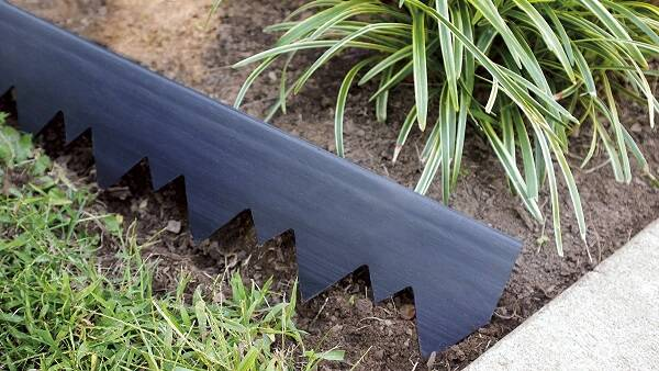 LandShark Pound-In Landscape Edging - http://coolthings.us