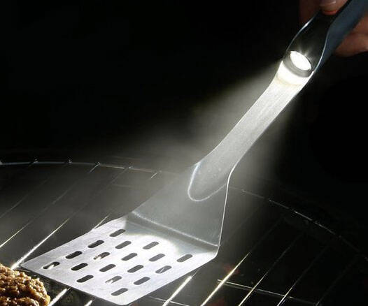 Flashlight Grilling Spatula - http://coolthings.us