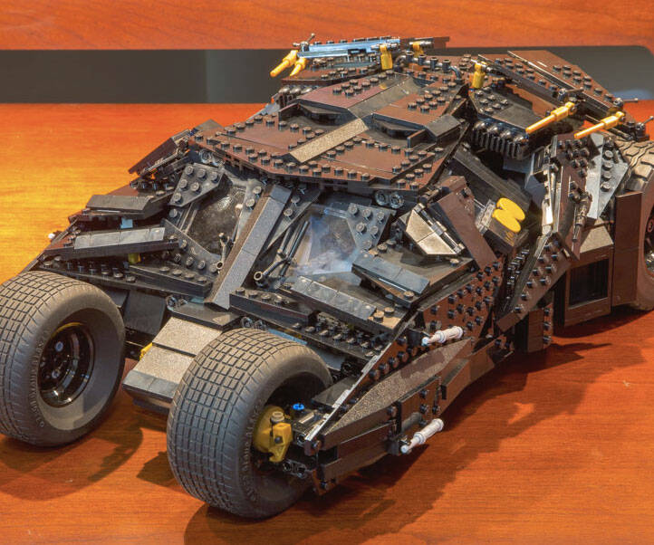 LEGO Batman Tumbler - http://coolthings.us