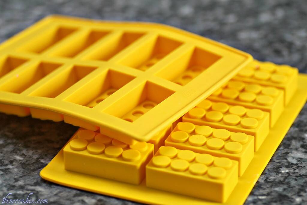 Lego Ice Cube Tray - http://coolthings.us