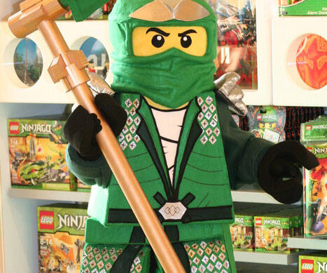 LEGO Ninja Costume - http://coolthings.us