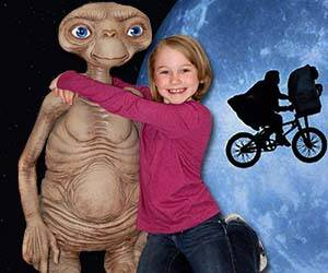 Life-Size E.T. Replica - http://coolthings.us