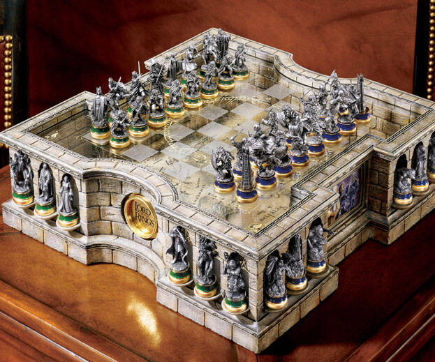 Lord Of The Rings Chess Set - http://coolthings.us