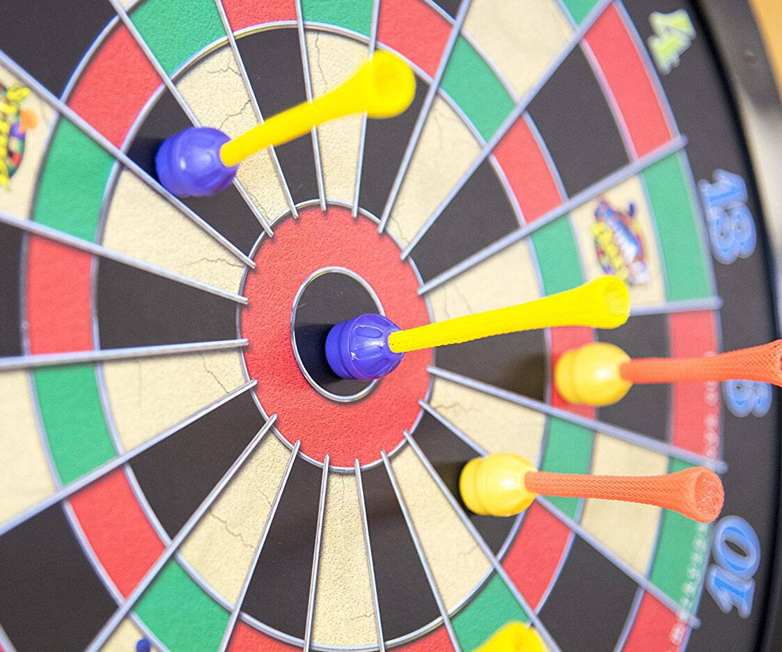 Magnetic Dart Board - http://coolthings.us