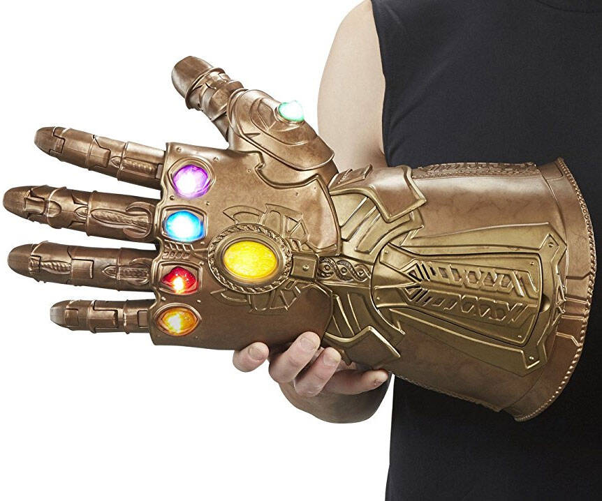 Articulated Infinity Gauntlet Electronic Fist - http://coolthings.us