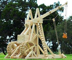 Medieval Trebuchet - coolthings.us