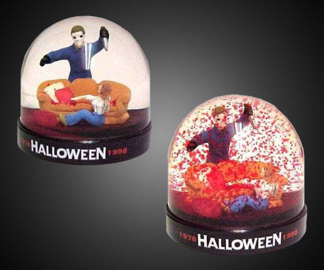 Michael Myers Bloody Snowglobe - http://coolthings.us