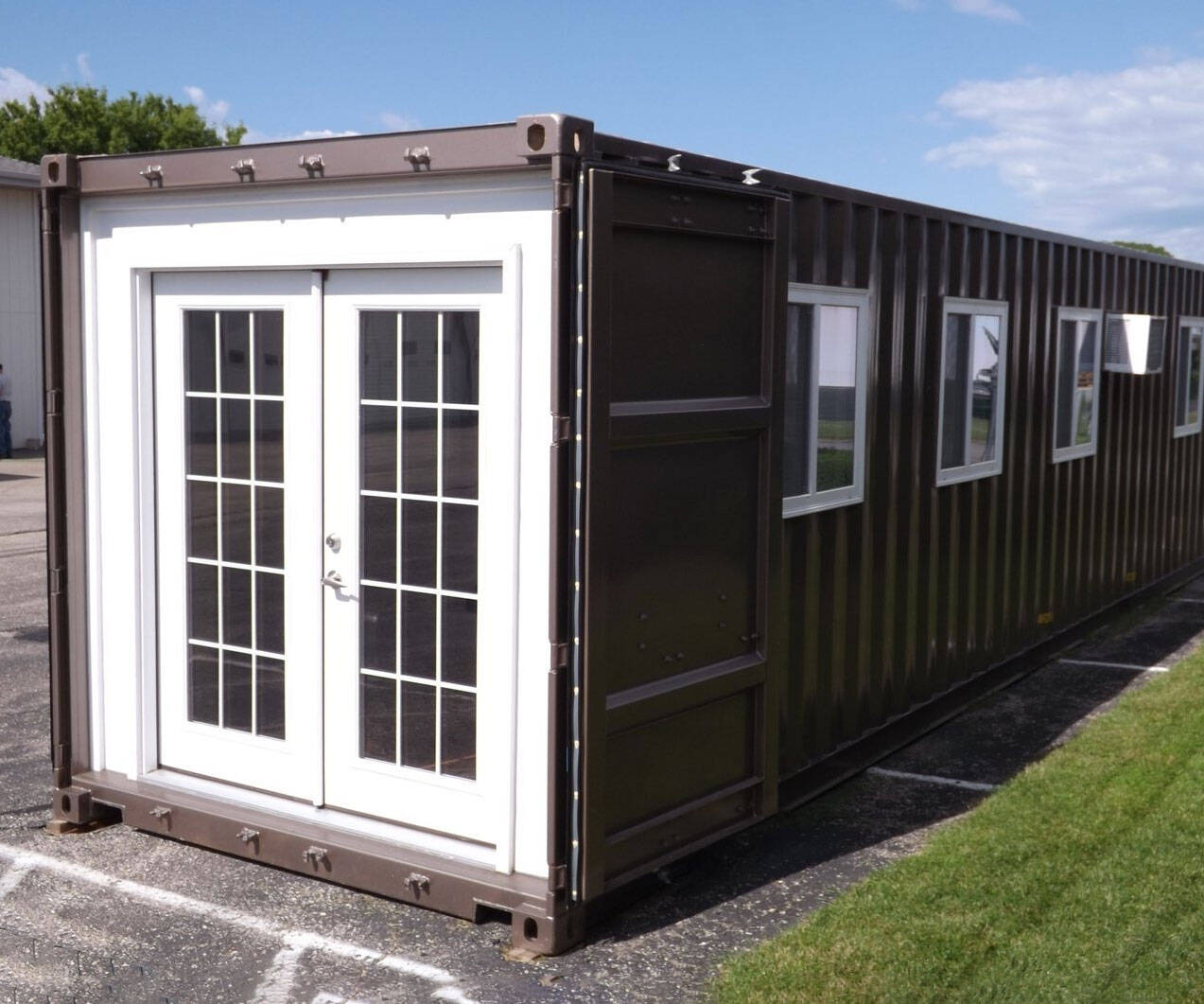Pre-Fabricated Shipping Container Home - http://coolthings.us