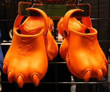 Crocs Style Claw Shoes