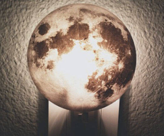 3D Moon Night Light - http://coolthings.us