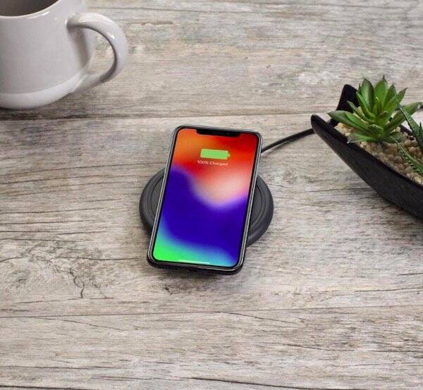 Mophie Wireless Charger - http://coolthings.us