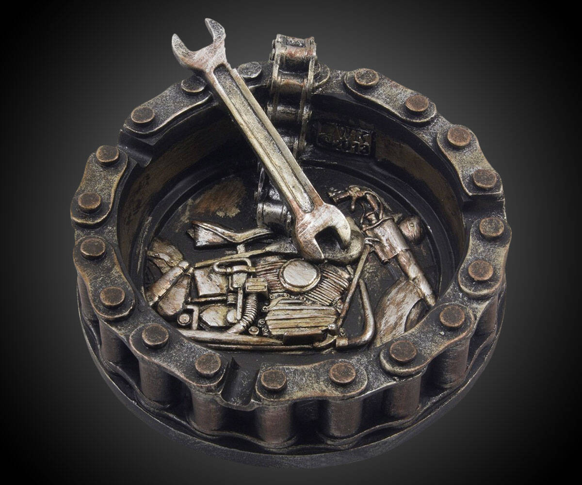 Motorcycle Chain Ashtray - http://coolthings.us