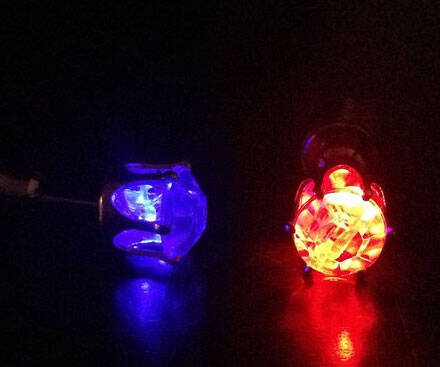 Flashing LED Earrings - http://coolthings.us