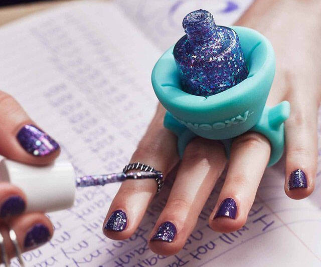Wearable Nail Polish Holder - http://coolthings.us