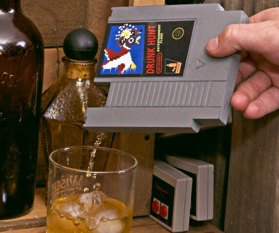 NES Cartridge Flask - http://coolthings.us
