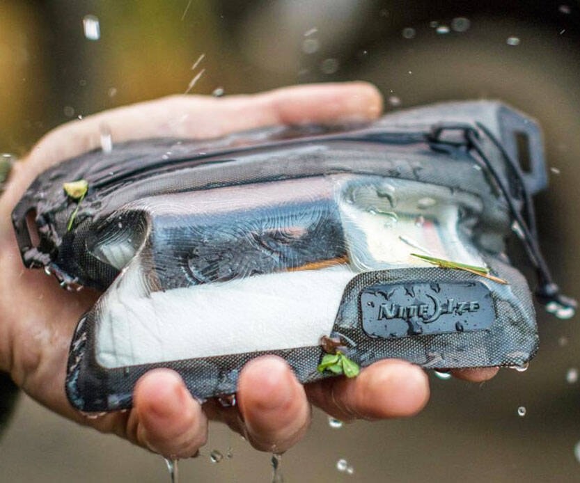 Nite Ize Waterproof Wallet - http://coolthings.us