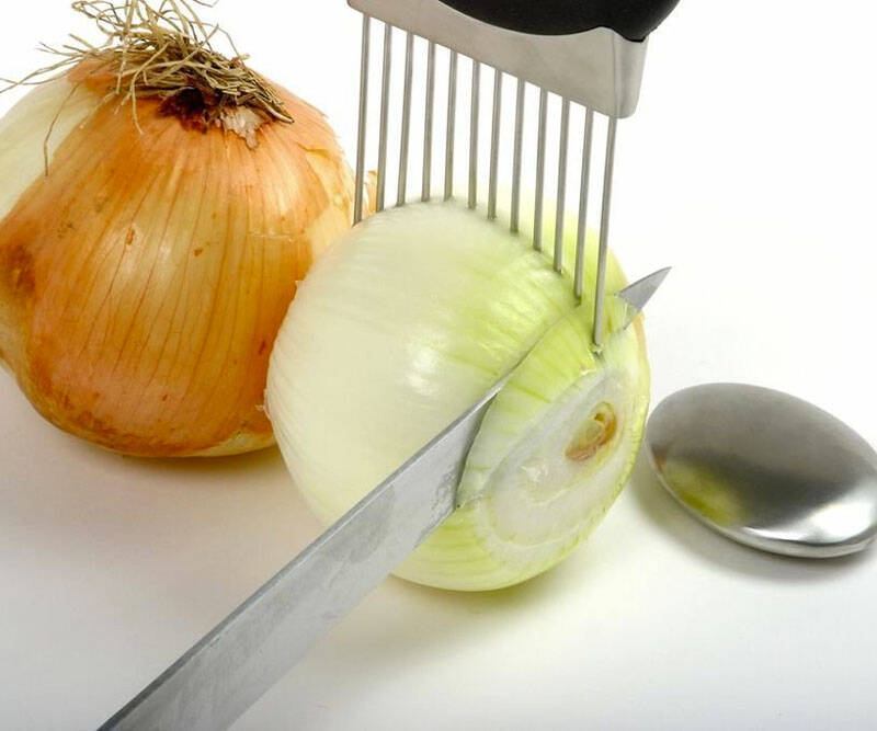 Onion Holder & Odor Remover - coolthings.us