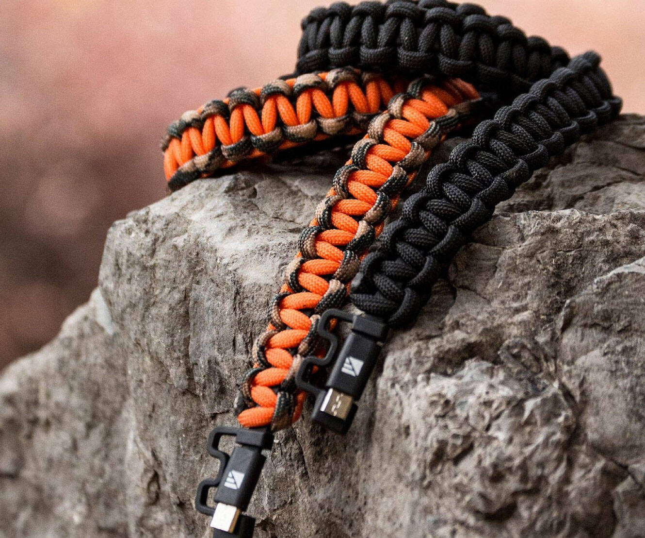 Paracord Charging Cable - http://coolthings.us
