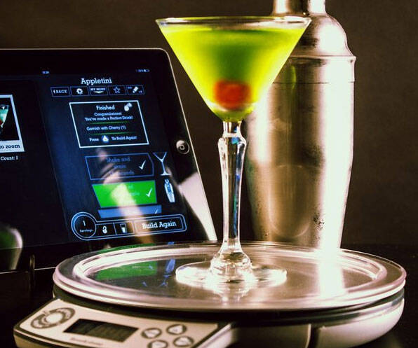 Perfect Drink Smart Bartender - http://coolthings.us