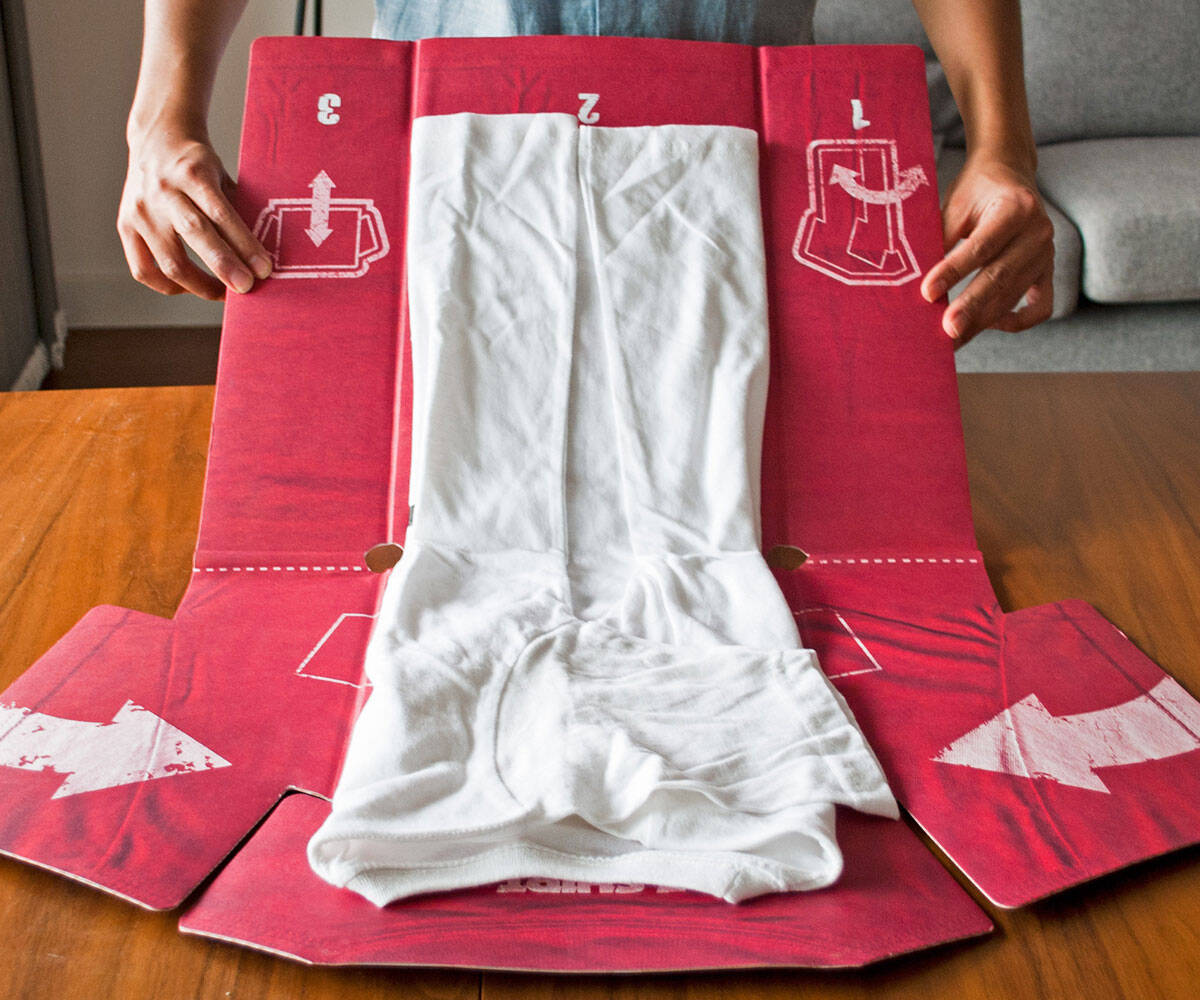 Perfect Shirt Folder - http://coolthings.us