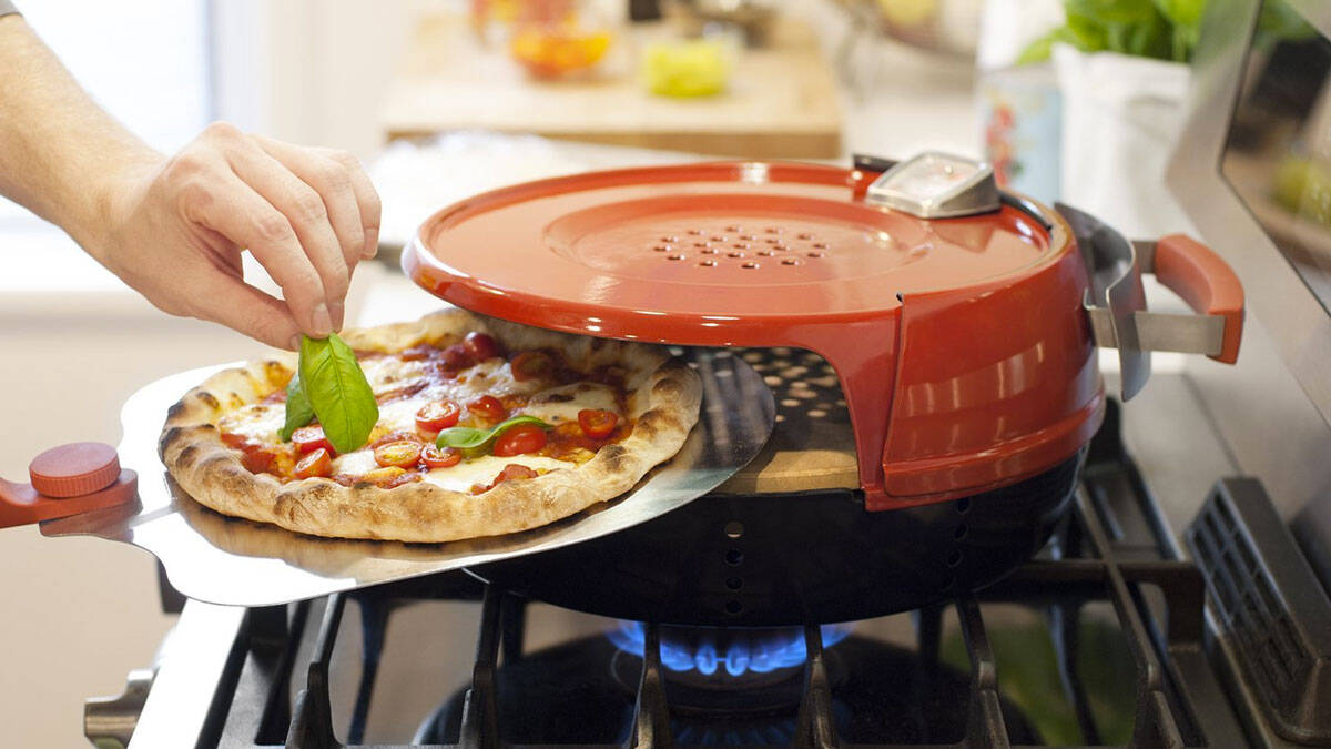 Stovetop Pizza Oven - http://coolthings.us
