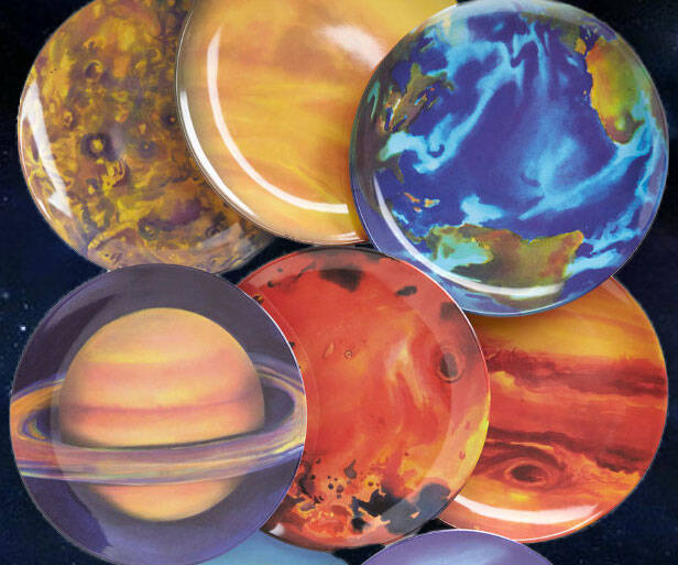 Planetary Plates - http://coolthings.us