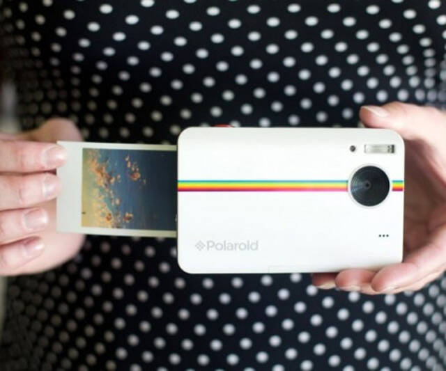 Polaroid Instant Print Camera - http://coolthings.us