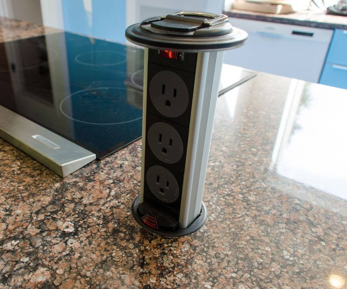 Pop-Up Coutertop Outlet - http://coolthings.us