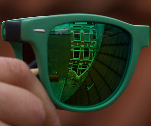Folding Ray-Ban Sunglasses - http://coolthings.us