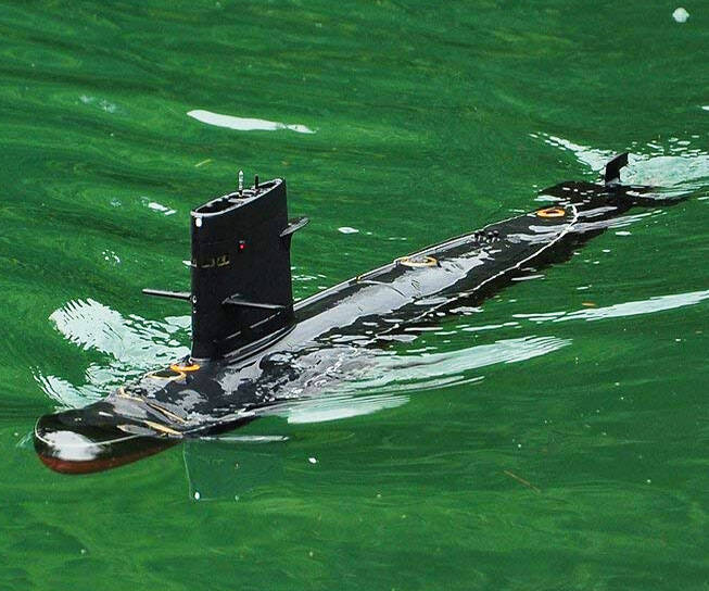 R/C Submarine Kit - http://coolthings.us
