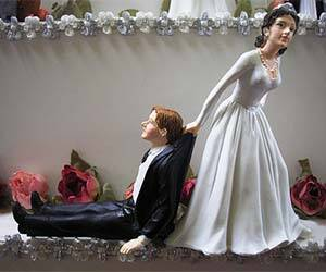 Reluctant Groom Cake Topper - http://coolthings.us