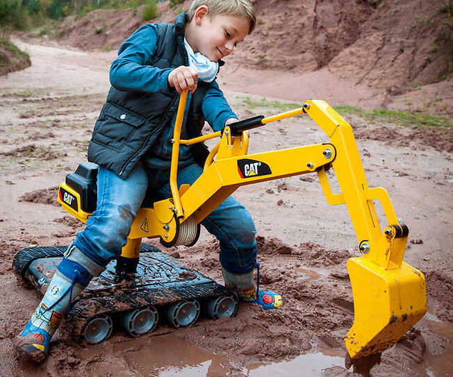 Ride-On 360-Degree Excavator Digger - http://coolthings.us