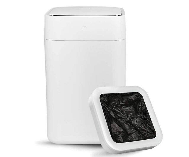 Self-Sealing & Self-Changing Trash Can - http://coolthings.us