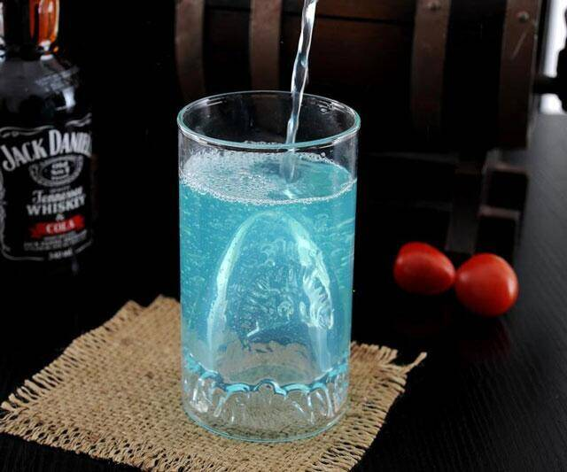 Shark Attack Glass - http://coolthings.us